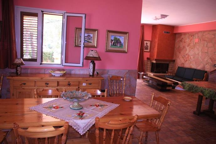 Villa happy holiday siracusa confronta le offerte for Offerte hotel siracusa