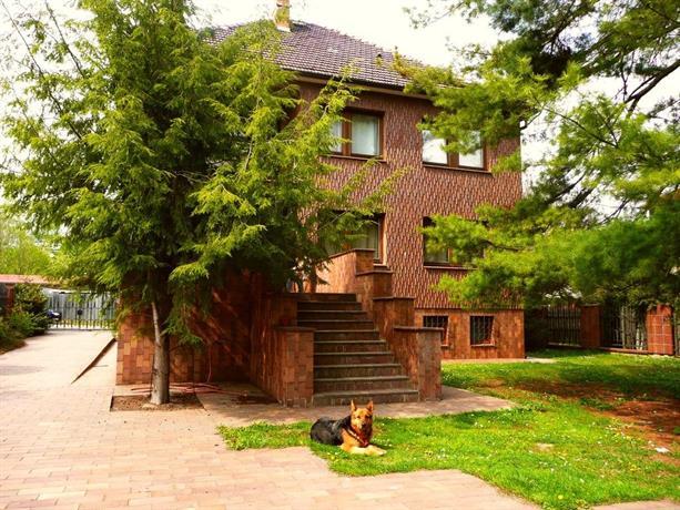 Villa Ruzyne