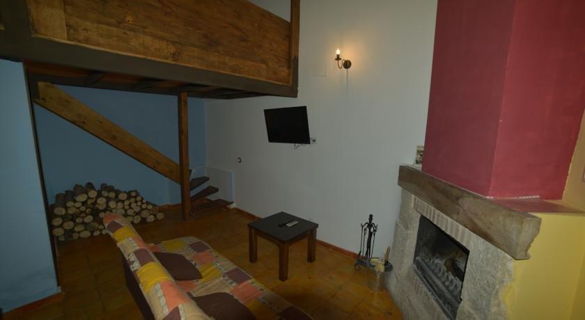 Apartamentos rurales puerta del sol alcala del jucar for Puerta del sol apartamentos