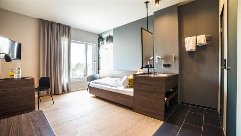 hotel maximilian dingolfing landau die g nstigsten angebote. Black Bedroom Furniture Sets. Home Design Ideas