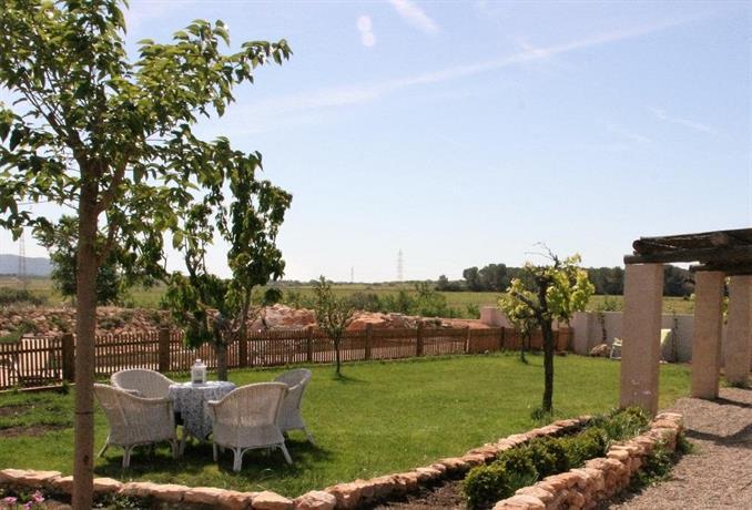 Els masets de cal terrassa puigpelat compare deals - Garden terrassa ...