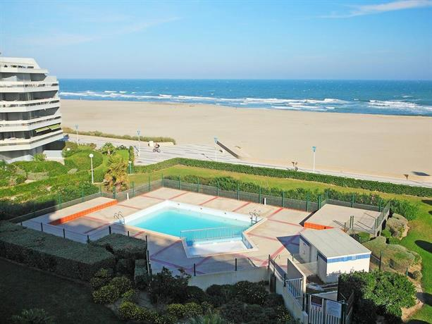 Apartment grand sud i canet plage canet en roussillon for Carrelage grand sud