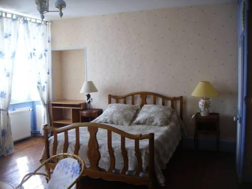 chambres d 39 h tes les cl matites en cotentin saint floxel comparez les offres. Black Bedroom Furniture Sets. Home Design Ideas