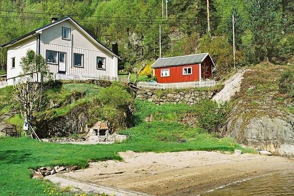 Four-Bedroom Holiday home in Sanddal