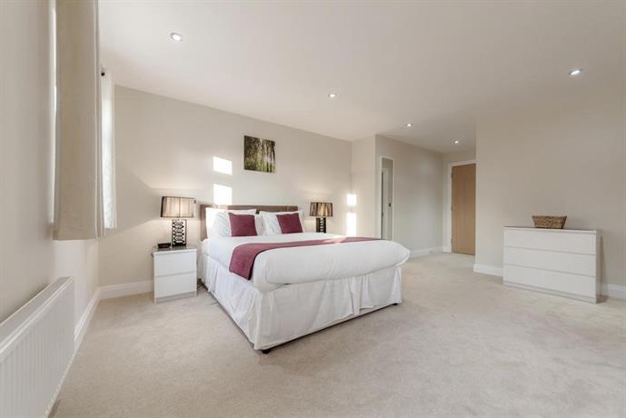 Roomspace Serviced Apartments - Kinnaird Court
