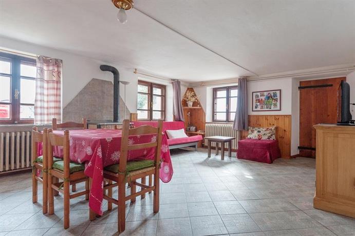 maison perron la thuile confronta le offerte. Black Bedroom Furniture Sets. Home Design Ideas
