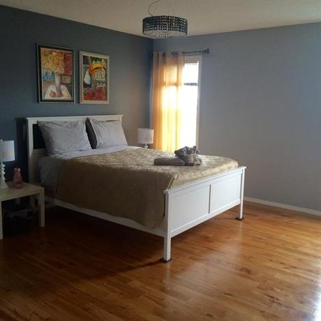 3 Bedroom House In Calgary