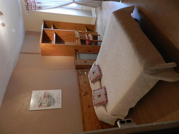 hotel du mont blanc sallanches compare deals. Black Bedroom Furniture Sets. Home Design Ideas