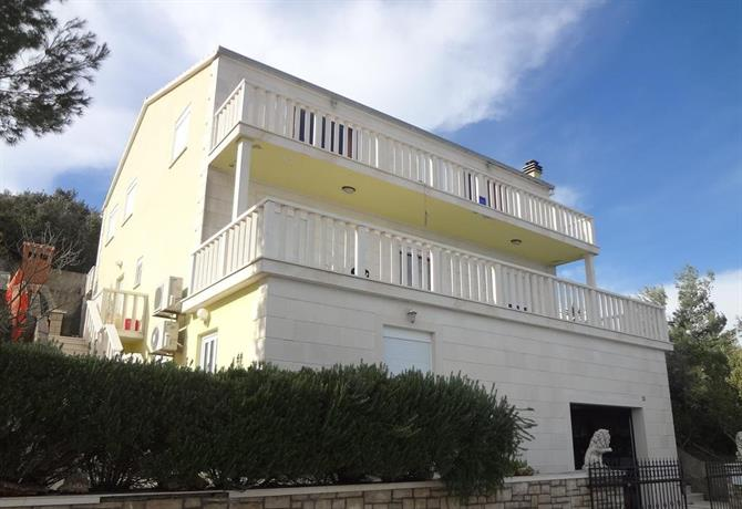 Apartments Marija Blato
