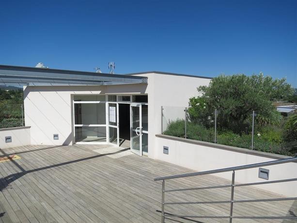 Cadarache manosque residence avec piscine compare deals for Residence piscine