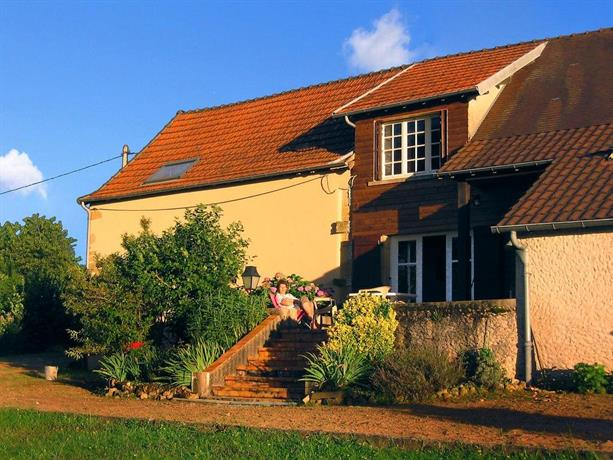 Holiday home Maison Canaju St Julien de Civry