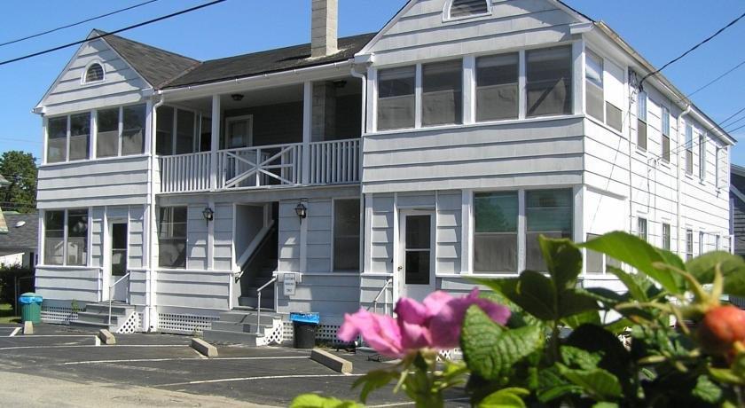 Beach Walk Oceanfront Inn Old Orchard Compare Deals