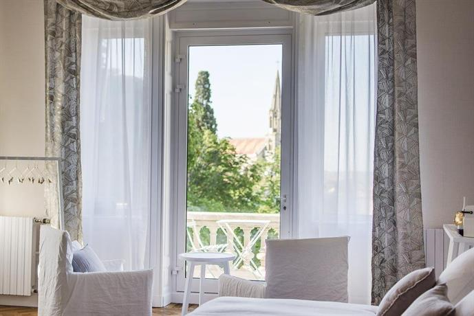 la villa guy beziers compare deals. Black Bedroom Furniture Sets. Home Design Ideas