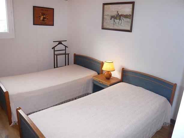 apartment les terrasses de la chambre d 39 amour ii anglet compare deals. Black Bedroom Furniture Sets. Home Design Ideas