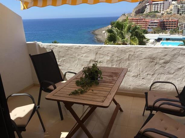 Apartamento jardin paraiso playa de cura compare deals for Apartamentos jardin playa larga tarragona