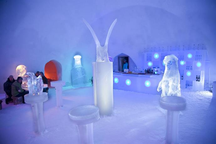 snowman world igloo hotel rovaniemi compare deals. Black Bedroom Furniture Sets. Home Design Ideas