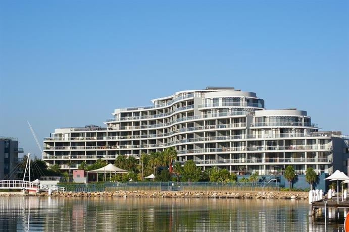 Homebush Bay Fully Self Contained Modern 2 Bed apartment 125BEN