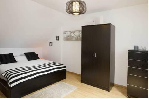 l 39 appart d 39 isa beaune confronta le offerte. Black Bedroom Furniture Sets. Home Design Ideas