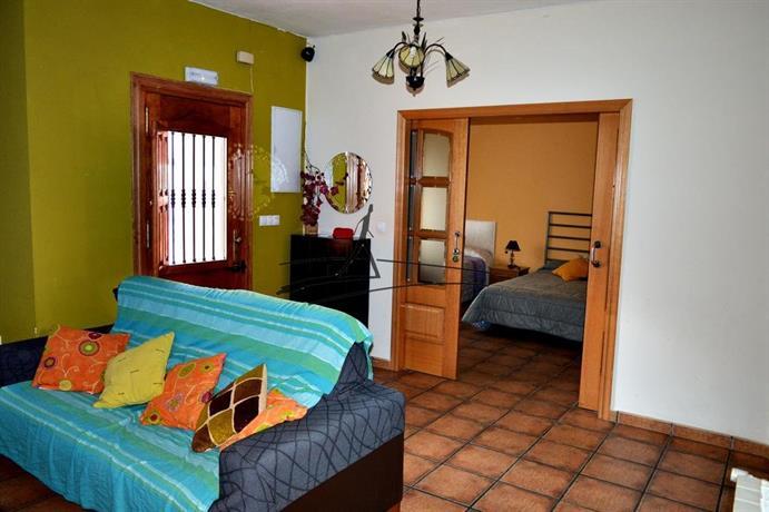 Puerta de la villa cabrejas del pinar compare deals - Hotel puerta de la villa ...