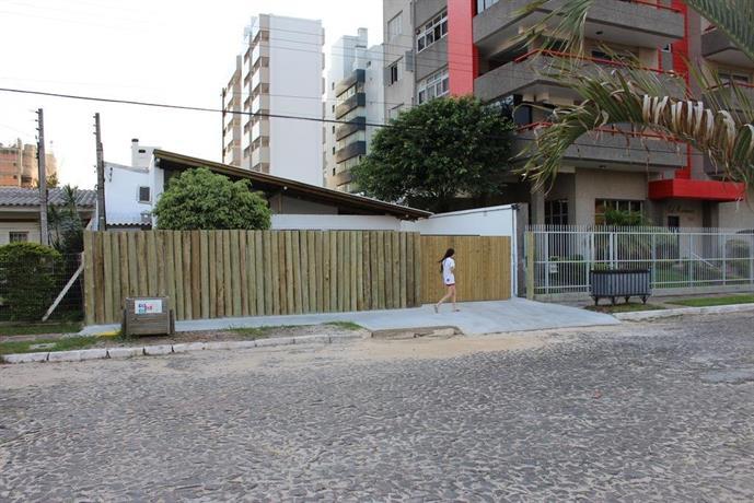 Casa Larrosa