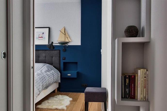 Cosy charming flat in montmartre paris compare deals for Flat hotel paris