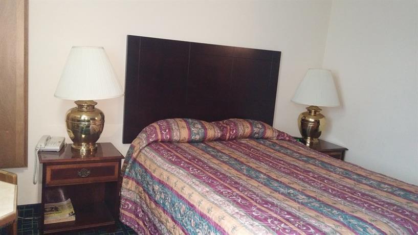 About Washington Square Hotel Tigard
