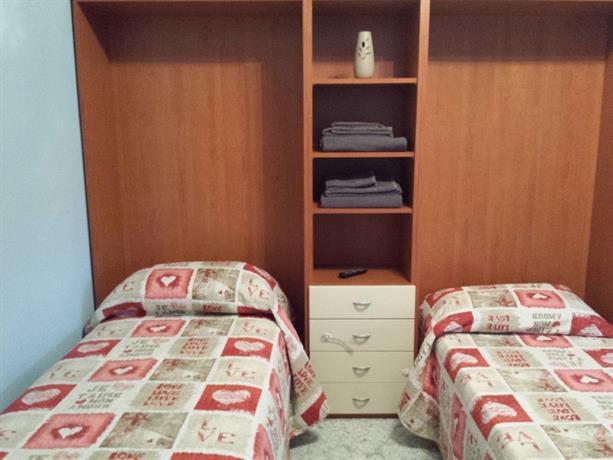 B b blq borgo panigale bologna compare deals for Hotel bologna borgo panigale