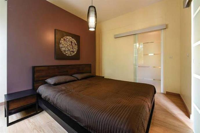 Appartement le chateau merignac compare deals for Appartement merignac