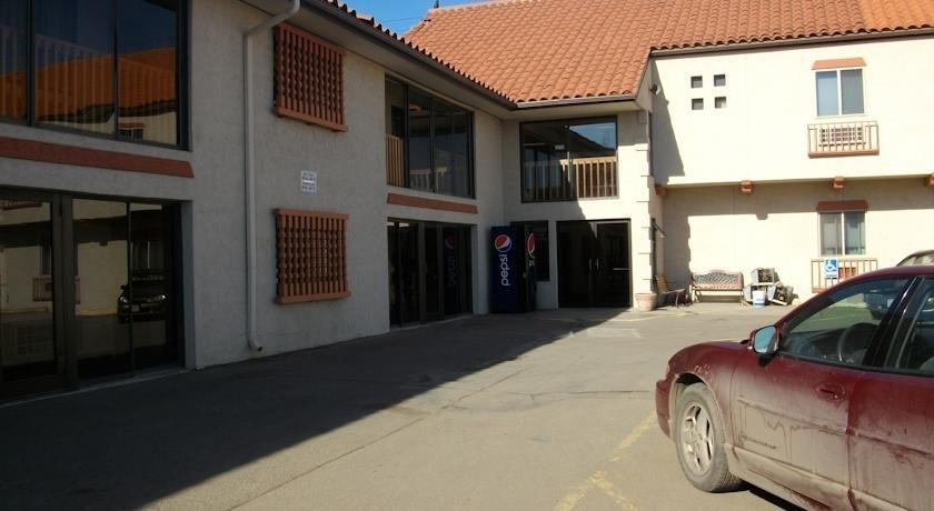 El Toro Inn