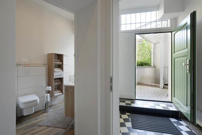 ferienwohnung prenzlauer berg berlin die besten deals vergleichen. Black Bedroom Furniture Sets. Home Design Ideas