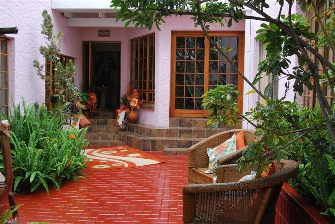 Ronique's Guest House