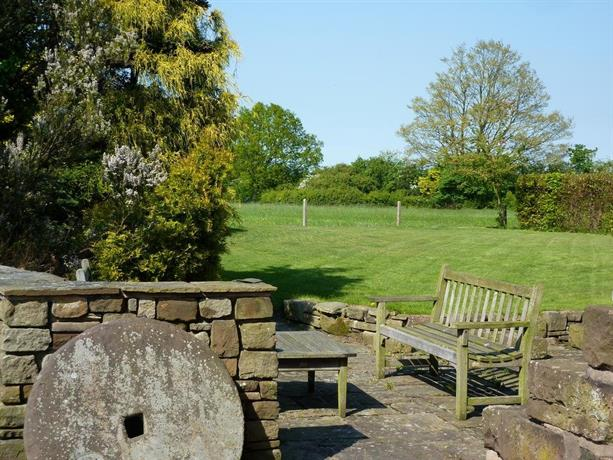 Parr Hall Farm Bed And Breakfast