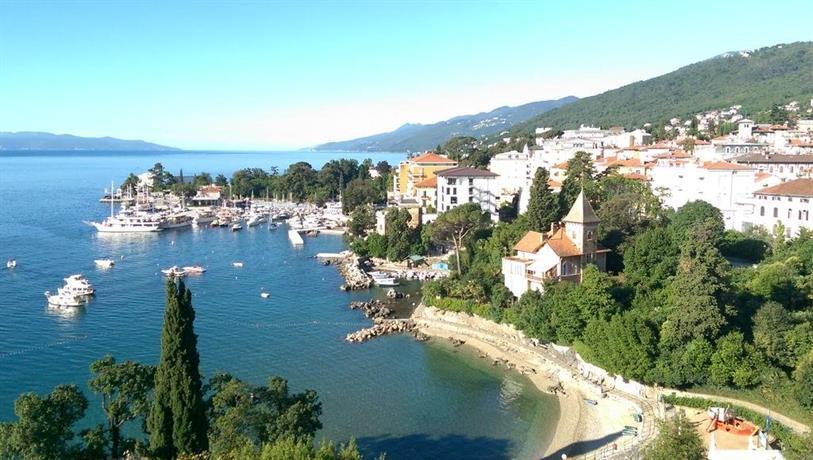 Beach toma evac opatija kvarner croatia for Design hotel royal opatija