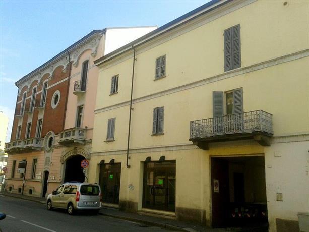 Lucy's Houses - Vittoria Arancio