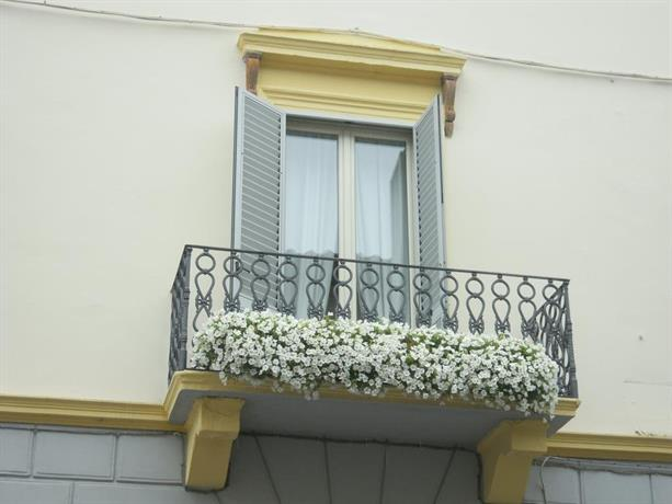 Rest In Lucca Apartments & Suites