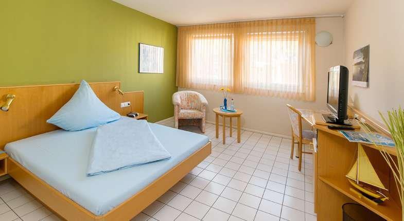 hotel ambiente im degen stuttgart compare deals. Black Bedroom Furniture Sets. Home Design Ideas