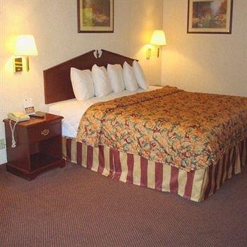 Deerfield Inn And Suites Ashland