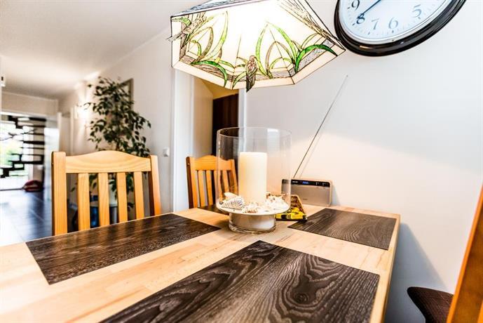 Design apartment in koln mit terrasse cologne compare deals for Designer hotel koln