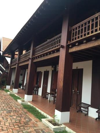 Wooden charming boutique hotel luang prabang compare deals for Charming small hotels
