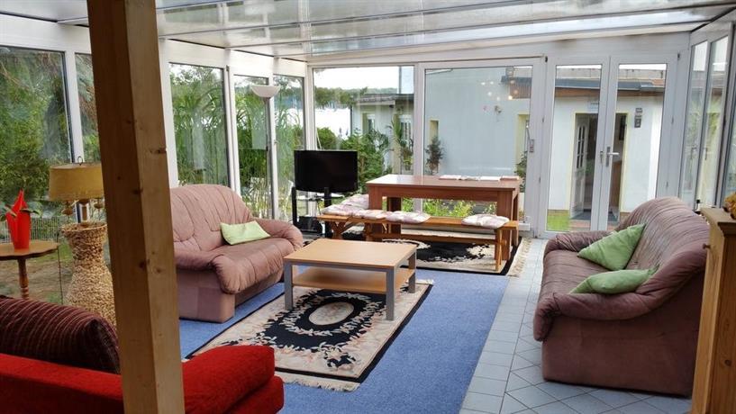 ferienwohnung imkerweg berlin compare deals. Black Bedroom Furniture Sets. Home Design Ideas