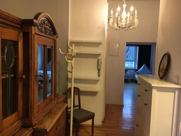 apartment bochumer strasse dusseldorf compare deals. Black Bedroom Furniture Sets. Home Design Ideas
