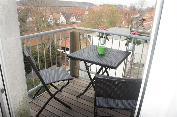 Apartment 1690 rendsburg compare deals for Hotel 1690 designhotel rendsburg