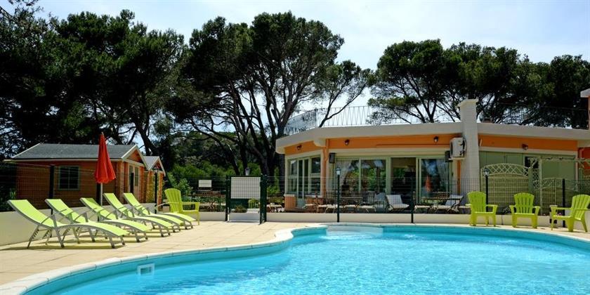 Hotel les rocailles montagnac compare deals for Comparer les hotels