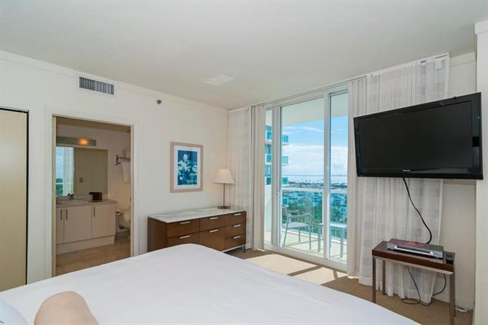 Two Bedroom Apartment In Miami Coconut Grove 1018 Compare Deals