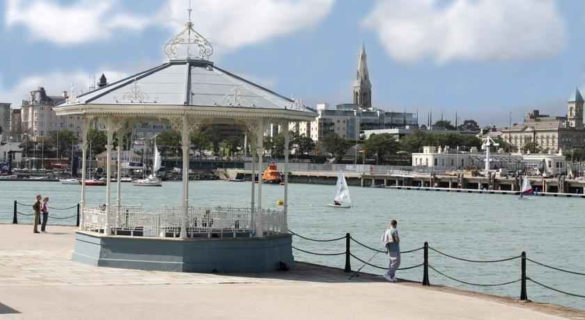 Ferry House Bed And Breakfast Dun Laoghaire Dublin
