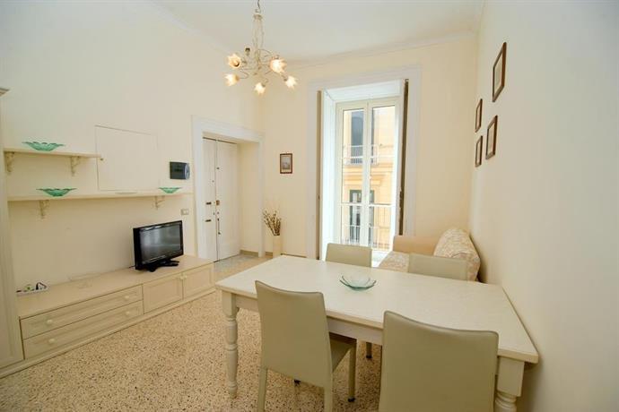 Apartment maison d 39 art sorrento compare deals for Apart hotel maison