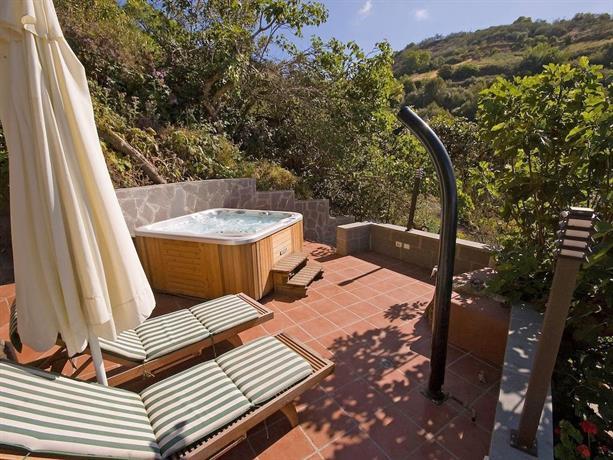 Villa Moya 1 Moya