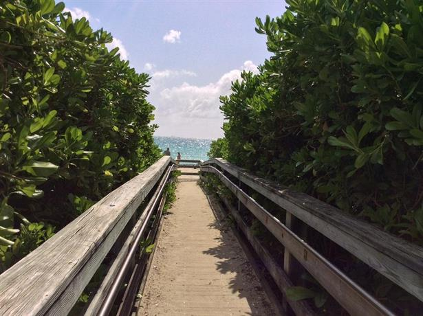miami beach suncoast at casablanca ocean view compare deals. Black Bedroom Furniture Sets. Home Design Ideas