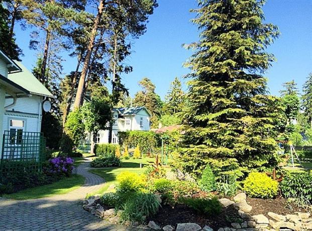 Jurmala vacation house confronta le offerte for Cabin cabin in wisconsin dells con piscina all aperto