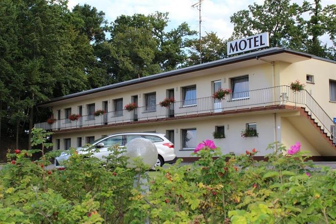 Hotel Drive In Motel Concept